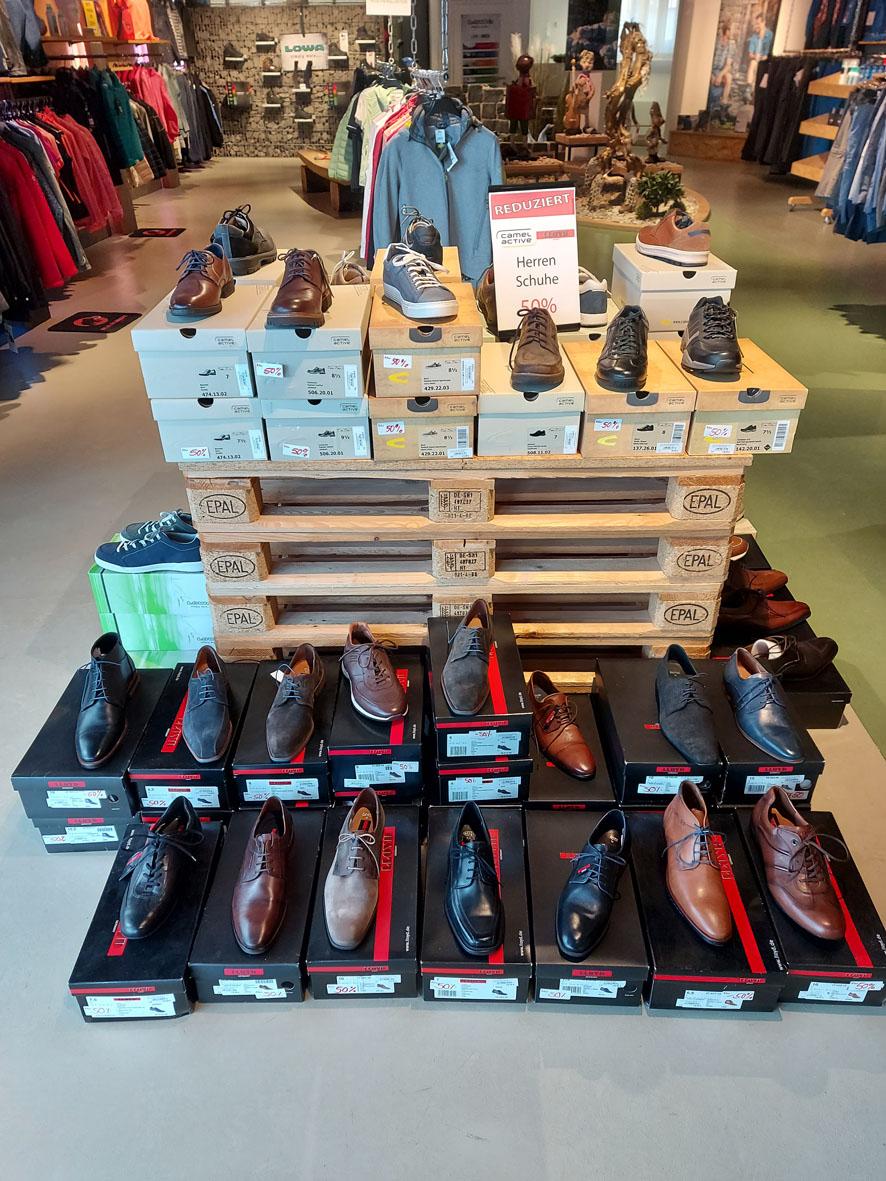 Schuhe von Lloyd & camel active zum halben Preis!